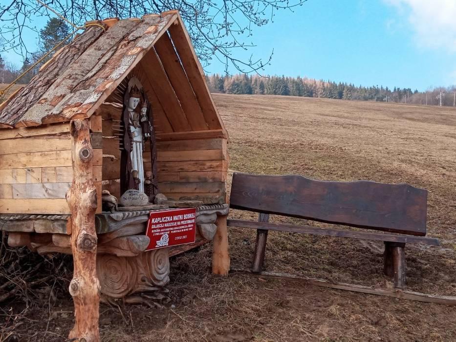Kapliczka Matki Boskiej Dającej Nadzieję na Przetrwanie w Chyrowej